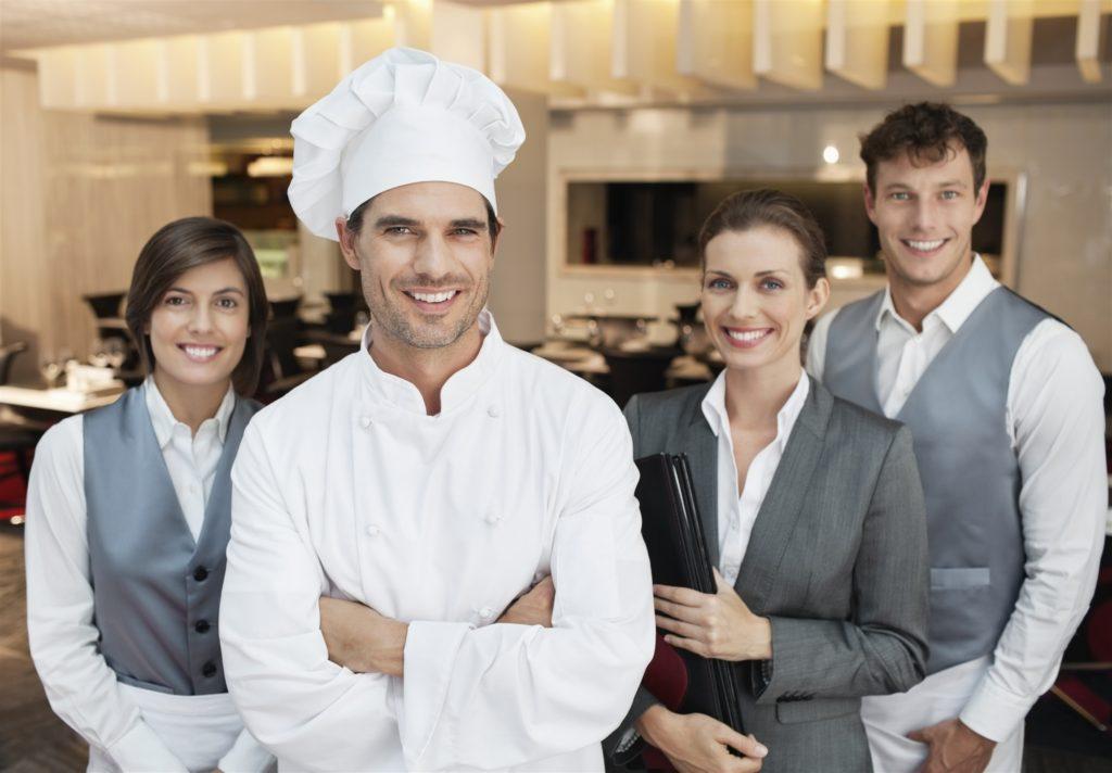 Персонал кафе должен быть не только квалифицированным, но и доброжелательным