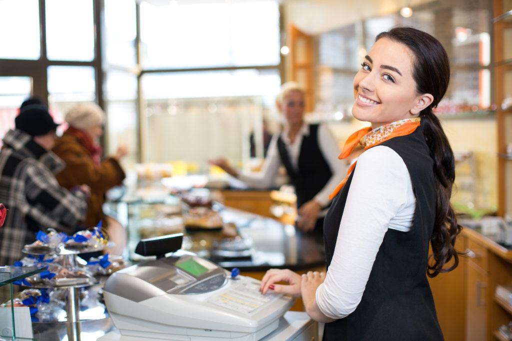 Персонал магазина должен уметь находить подход к каждому клиенту