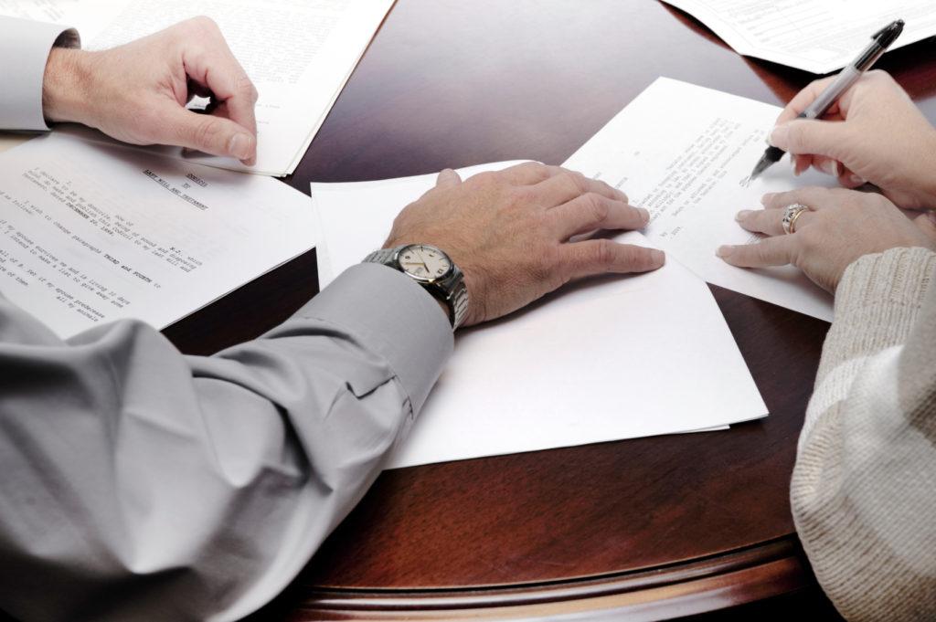 Бизнес должен быть легальным, поэтому необходимо оформить всю документацию
