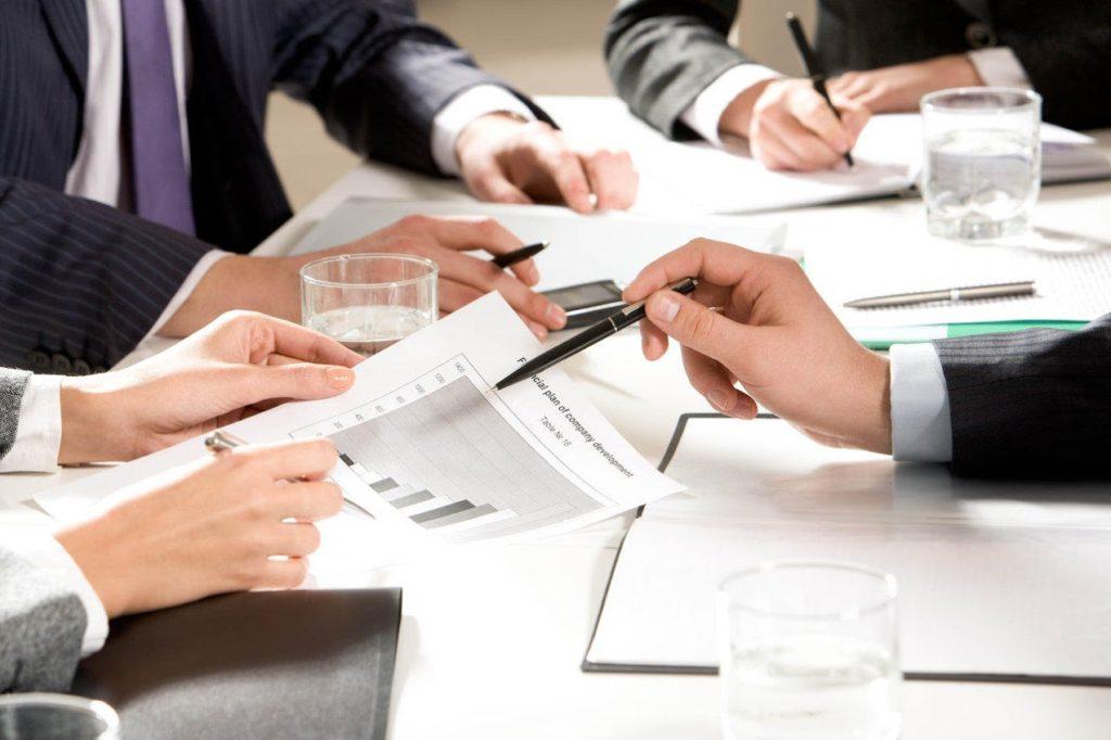 Бизнес можно оформить и в качестве ИП, и ООО
